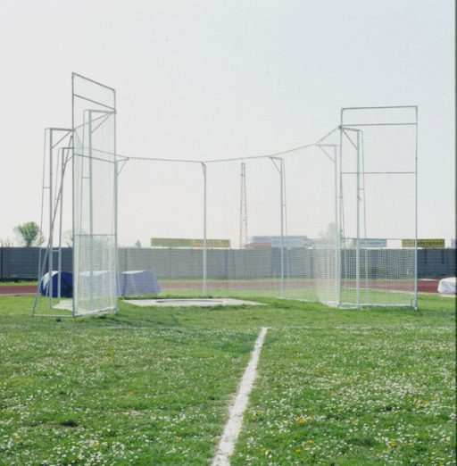 Protective cage for discus (and hammer) throwing