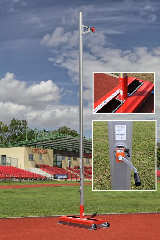 Pair of aluminium pole vault stands, height adjustable up to 640 cm, electronic height indicator